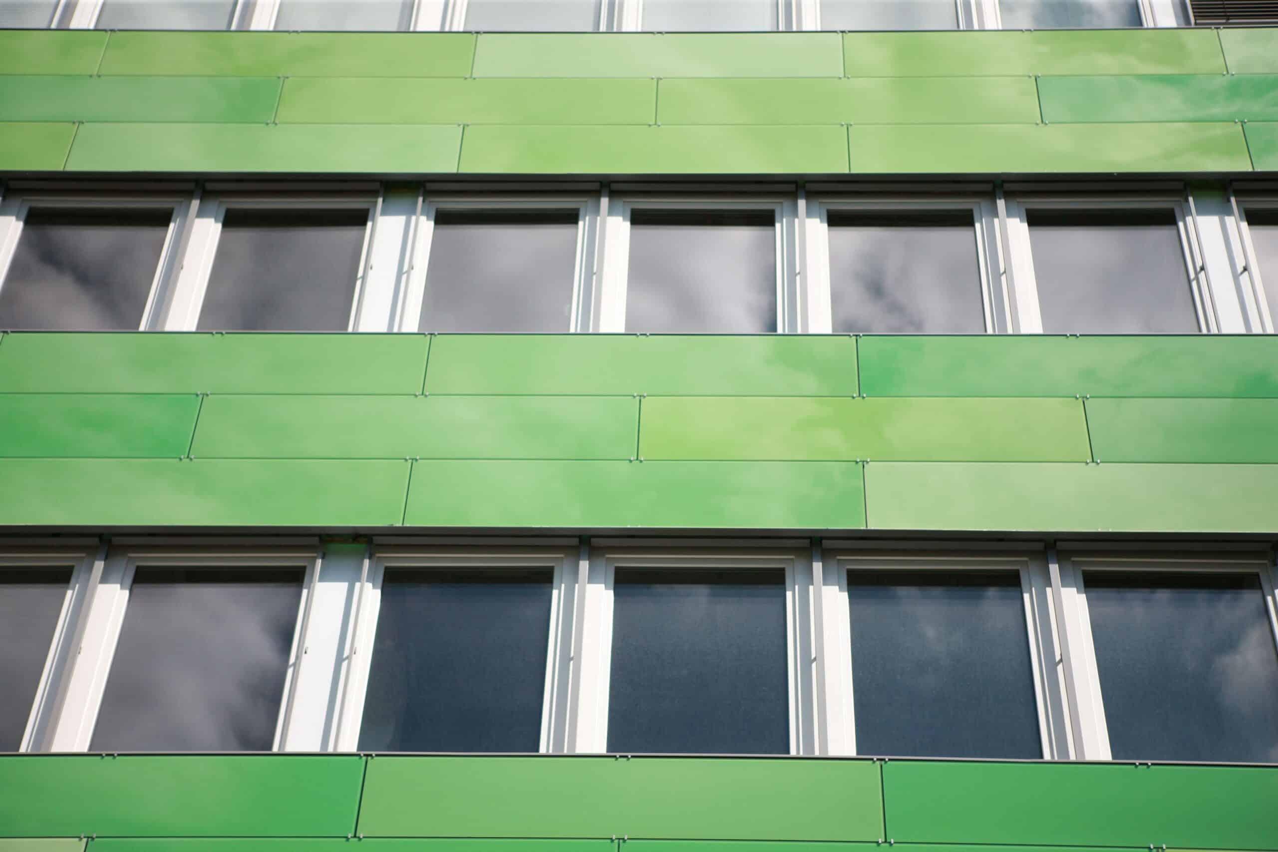 фасад из керамогранитных плит